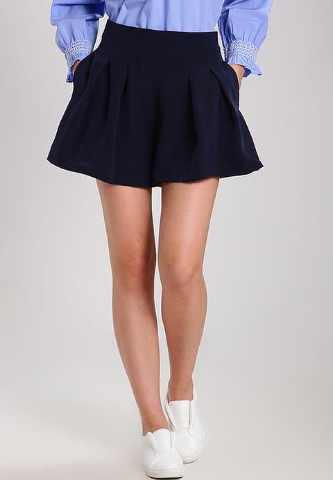 149950099424-outfit-colazione-chic-2.jpg