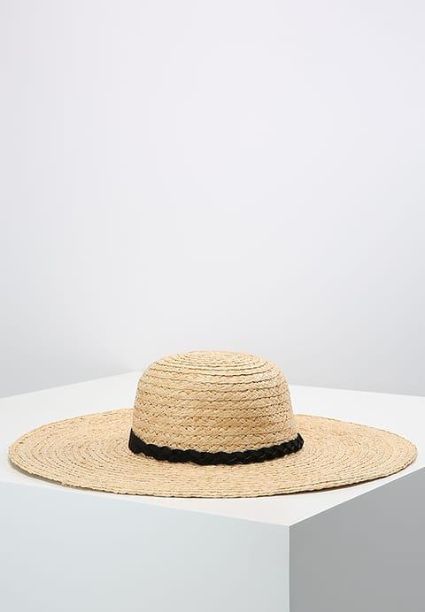 149950122402-outfit-gita-al-mare-3.jpg
